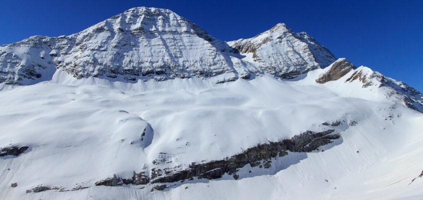 Randonnée en raquettes à neige jusqu'au col de Tentes
